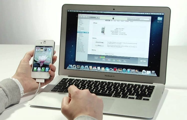 Iphone Connected With Macbook